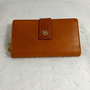 NWOT Valentina leather wallet